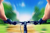 Man rijden op een fiets — Stockfoto