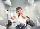 подчеркнул бизнесмен, вырывание стека — Стоковое фото