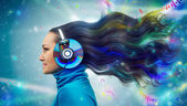 Colorful women in headphones — 图库照片
