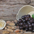 Rural setting with grapes — Stock Photo