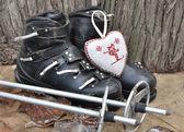 Ancient ski boots — Foto Stock