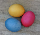 Easter eggs on wooden plank — Stock Photo