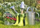 Strumenti e stivali per il giardinaggio — Foto Stock
