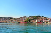 Ohrid lake and an old town of Ohrid in the background — Stock Photo