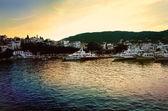 порт скиатоса на закате — Стоковое фото