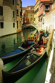 гондолы в венеции. города италии — Стоковое фото