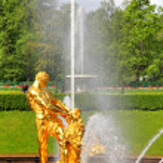 Samson Fountain in Peterhof Palace, Russia — Stock Photo #27430665
