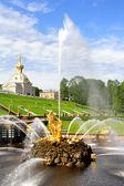 Samson fontein in peterhof paleis — Stockfoto