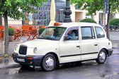Classic British cab — Stock Photo