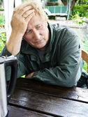 可悲的老年男人的肖像 — 图库照片