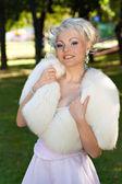 Novia feliz en una boda — Foto de Stock