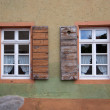 Old Windows and Shutters - Foto Stock
