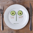 Vegetable Face on Plate - Male, Surprised — Stock Photo