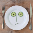 Vegetable Face on Plate - Male, Shocked — Stock Photo
