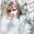 Blonde woman in fur stole — Stock Photo