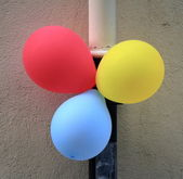 Balloons in the street — 图库照片