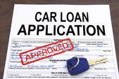 Approuvé le formulaire de demande de prêt de voiture — Photo