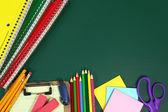 Volver a artículos escolares con espacio de copia — Foto de Stock