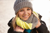 Pretty young woman in winter clothes — Stock Photo