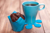 Chocolate muffin with coffee — Stock Photo