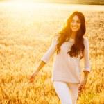 Beautiful lady in wheat field — Stock Photo #47176307
