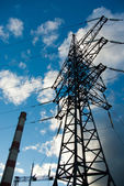Pipe thermal power station and power transmission lines — Foto Stock
