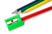 Varios de los lápices y sacapuntas — Foto de Stock