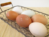 Eggs with natural coloring — Stock Photo