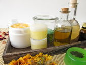 Ingredients and utensils for homemade cosmetics — Stock Photo