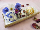 Homemade flowers soap — Stock Photo
