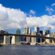 Brooklyn bridge och manhattan panorama — Stockfoto #21002053