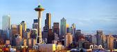 Panorama sullo skyline di Seattle al tramonto — Foto Stock