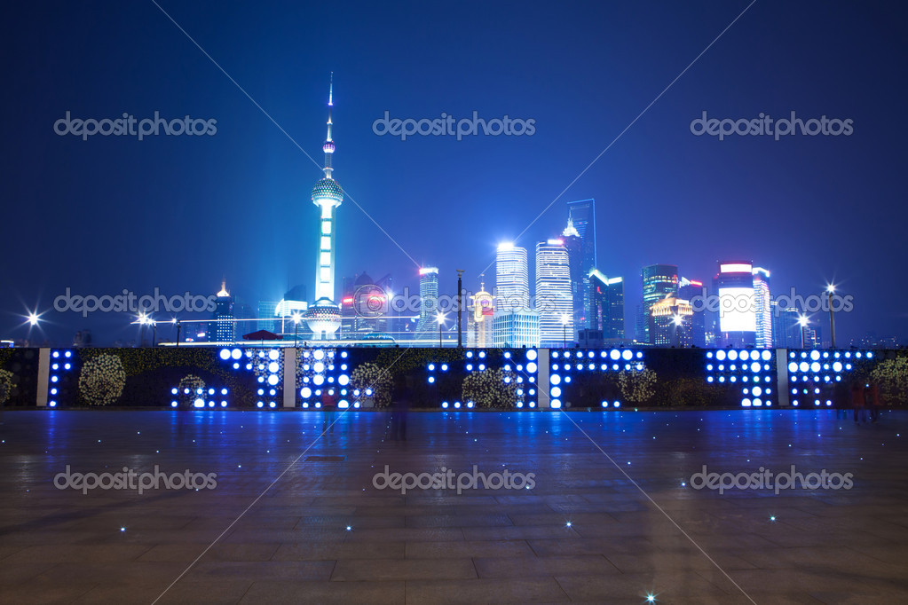 Night scene of shanghai — Stock Photo #16029343