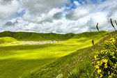 Green hills in mountain valley — Stock Photo
