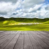 Verdes colinas en el valle de la montaña — Foto de Stock