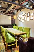 MPTY meeting Raum und Konferenzmöglichkeiten Tisch — Stockfoto
