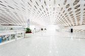 интерьер здания международный аэропорт — Стоковое фото