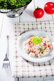 Sałatka z tortellini włoski świeży — Zdjęcie stockowe