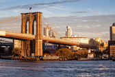 Brooklyn bridge in new york city — Стоковое фото