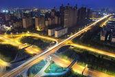 Шоссе путепровод ночью — Стоковое фото