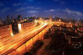 Nadjezd v noci v šanghaj — Stock fotografie