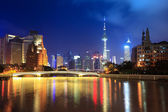 Suzhou river at night in shanghai — Stok fotoğraf