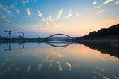 晚霞和桥 — 图库照片
