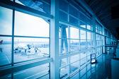 Ombordstigning och flygplatsen utanför scenen — Stockfoto