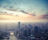 Shanghai in der abenddämmerung — Stockfoto