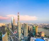 Modern shanghai at dusk — Stockfoto