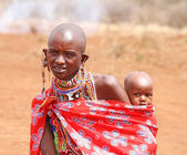 AFRICA, KENYA, MASAI MARA - JULY 2: Female tribal members wearin — Stock Photo