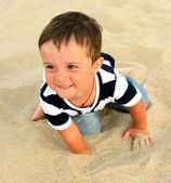 çocuk deniz kıyısı çalış — Stok fotoğraf