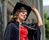 Cüppeli bir üniversite mezunu — Stok fotoğraf