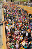 Crowd of sikh devotees take part to Baisakhi procession, high POV — Stock Photo